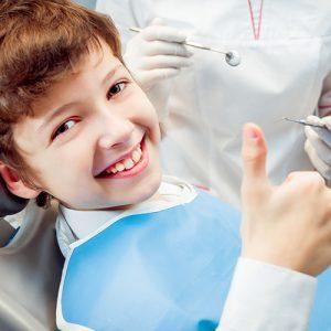 Çocuklarda İlk Diş Muayenesi Ne Zaman Yapılmalıdır?